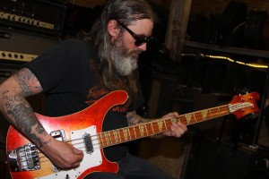 rob hultz bass trouble 2 rickenbacker