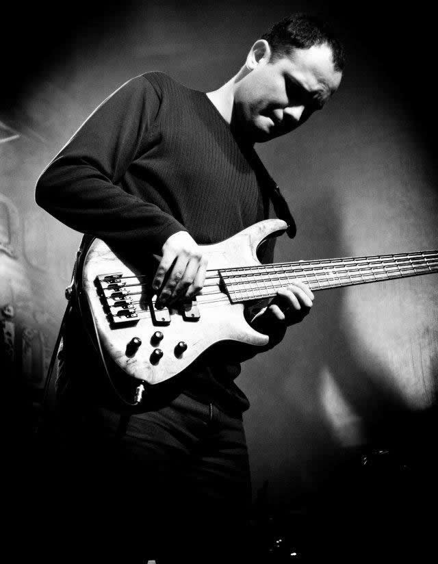 leslie johnson bass