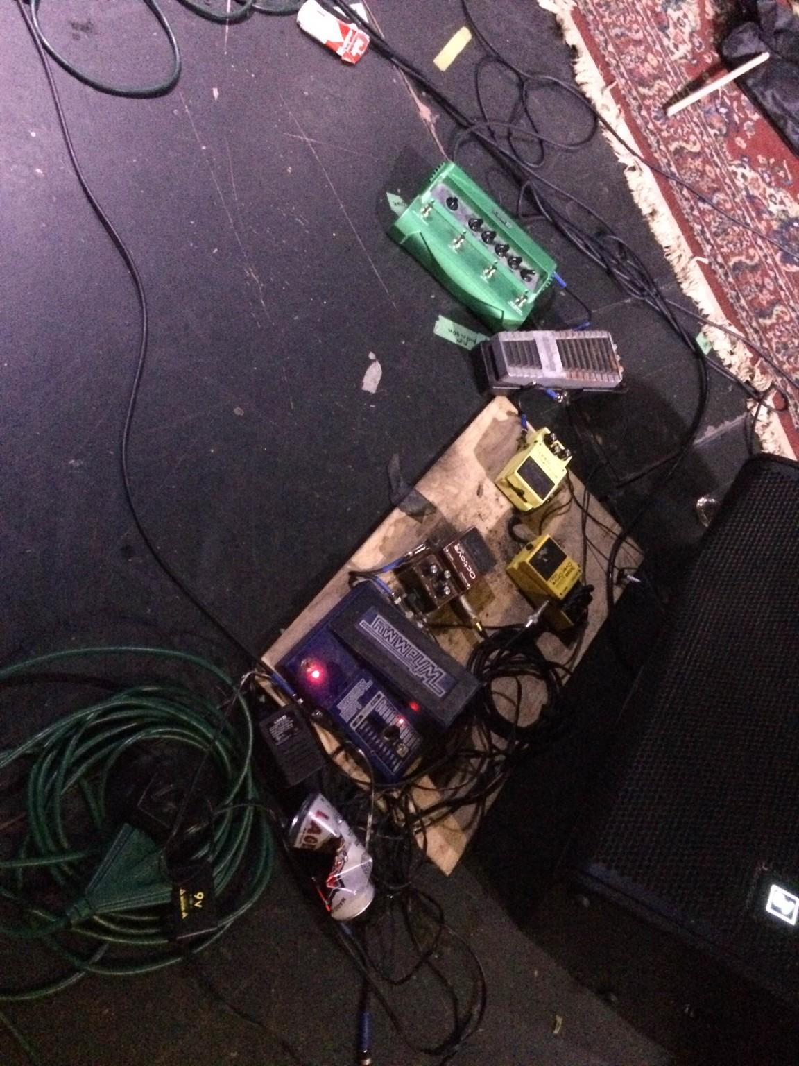 brian gibson lightning bolt pedal board 2